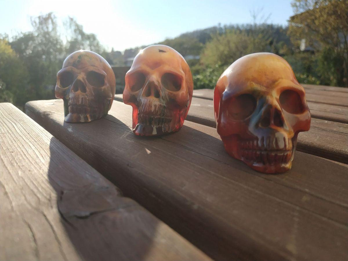 Lebka/Skull/Schädel Jantar rek/Amber rec/Bernstein rek 6cm