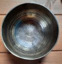 Tibetsky misa Mantra Om Mani Padma Hum (Singing Bowl) -14cm - Double Dorjee